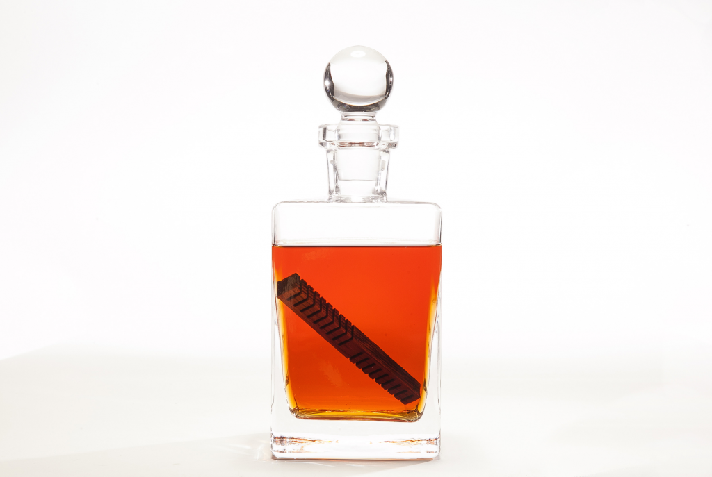 -whiskey-elements-Decanter-PNG
