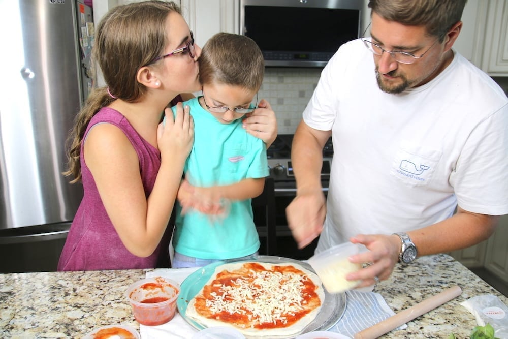 Pizzer Time pizza family time