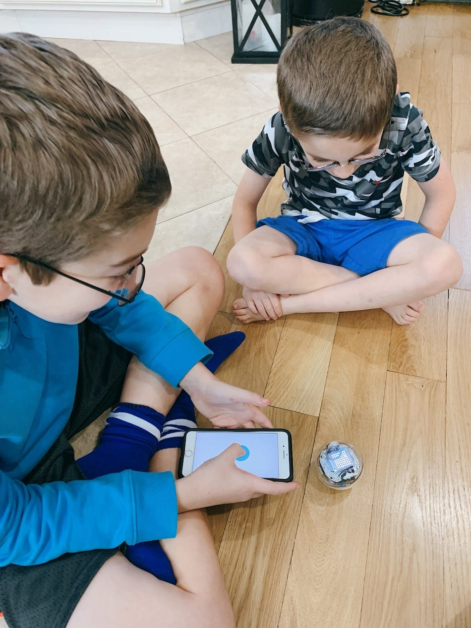 Sphero BOLT - playing with app